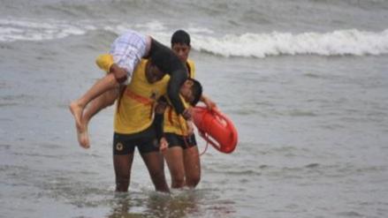 Nueve bañistas fueron rescatados en las playas de Pimentel y Puerto Eten