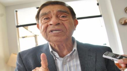 Genaro Vélez dice que pone también las manos al fuego por Alan García
