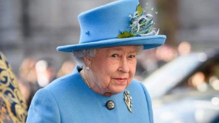 Isabel II estuvo a punto de recibir un disparo de un guardia de Buckingham
