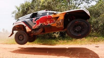 Cyril Despres se impone en la cuarta etapa del Dakar, que ya arribó a suelo boliviano
