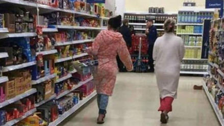 Facebook: ¿Ir de compras en pijama? Un hombre aviva una polémica con su queja