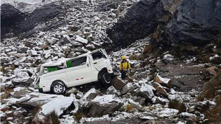 Rescatan ocho cuerpos sin vida tras accidente registrado en Carhuaz