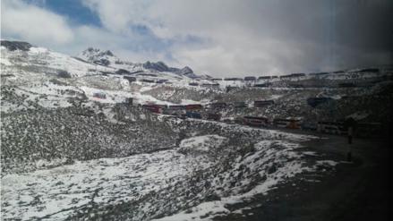 Pase restringido en Carretera Central por caída de nieve y lluvias