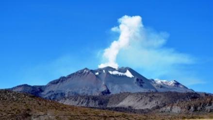Piden declarar en emergencia Caylloma por erupción del volcán Sabancaya