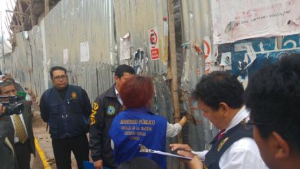 Frustran inspección ocular de hotel construido en la calle Saphy