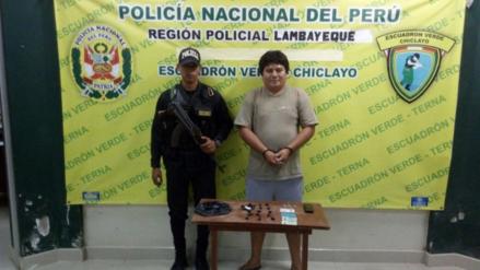 Detienen a sujeto que vendía droga en una mototaxi en Pucalá