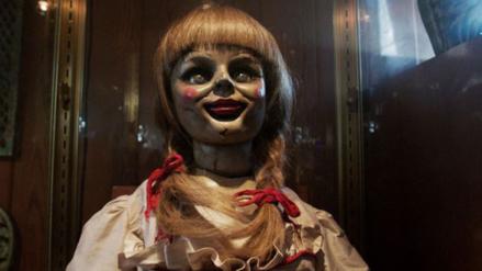 Publican en Facebook nueva imagen oficial de Annabelle 2