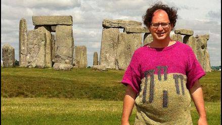 El hombre que teje suéteres inspirado en los lugares que visita