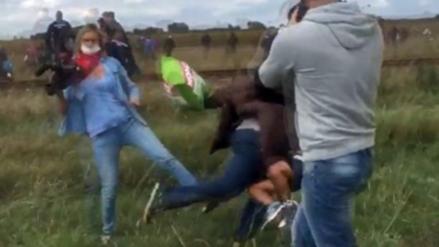 Periodista húngara que agredió a un refugiado tendrá libertad condicional