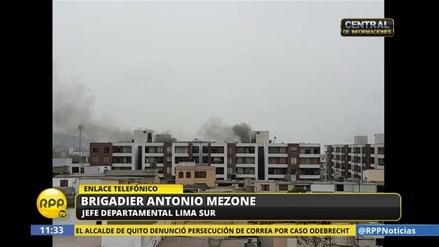 Evacuan un condominio en Surco por el incendio de un coche
