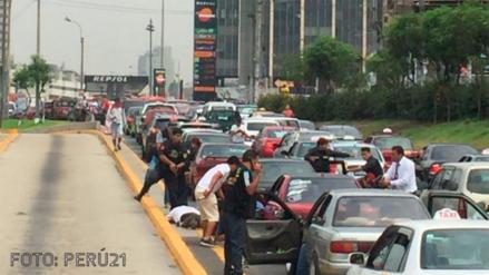 10 detenidos en la Vía Expresa a la altura de Polvos Azules