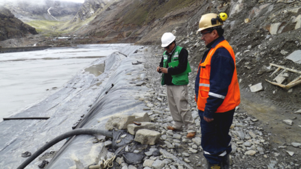 OEFA ordenó paralizar transporte de agua de relave minero en Ananea