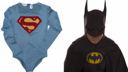 Subastan trajes originales de Superman y Batman