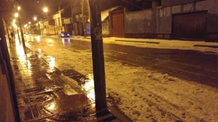 Fuerte granizada cubrió techos y calles en la ciudad de Puno