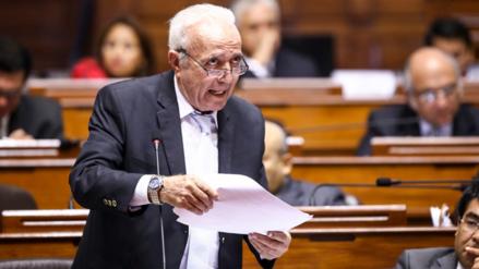 Guido Lombardi advierte que hay sectores que buscan censura de ministra de Salud