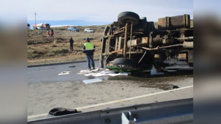 Quiruvilca: derrame de petróleo tras vuelco de volquete