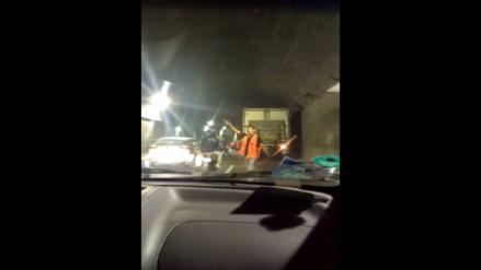Surco: camión atorado en Óvalo Higuereta causó malestar a conductores