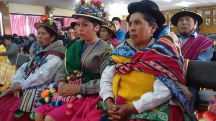 Condecoraron a 'Machuaychas' y 'Chiñipilcos' por su aporte a la cultura juliaqueña