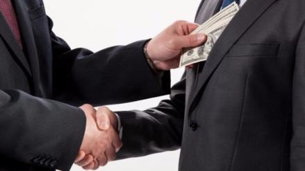Así de Claro: ¿Qué es la corrupción y con qué delitos está asociada?