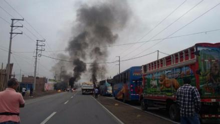 Chancay: Vehículos varados en la Panamericana Norte por protesta