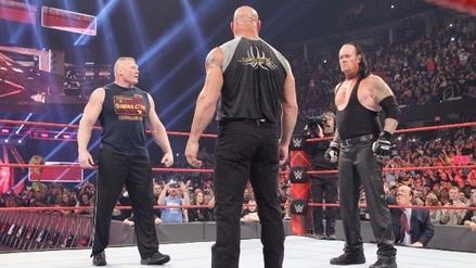 The Undertaker, Goldberg y Brock Lesnar juntos en el ring de la WWE