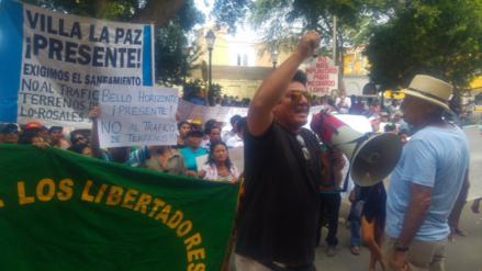 Piura: lío por tierras enfrenta a pobladores de Castilla con asesor parlamentario