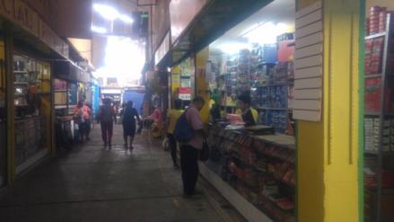 Enosa repone servicio eléctrico en mercado de Piura tras cinco días