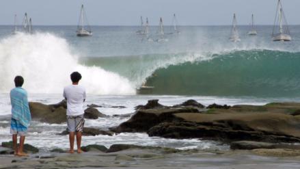 Capitanía de Talara cierra cinco playas piuranas por fuertes oleajes