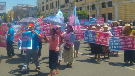 """Masiva marcha contra """"ideología de género"""" produjo caos vehicular en el centro de Chiclayo"""