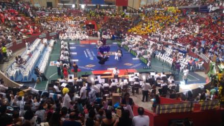 Trujillanos conocerán esta noche a campeones de concurso de Marinera