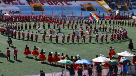 Realizan el concurso de danzas autóctonas en honor a la Virgen de la Candelaria