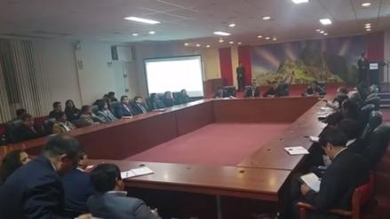 Autoridades cusqueñas se reunieron tras suspensión de obra en Chinchero