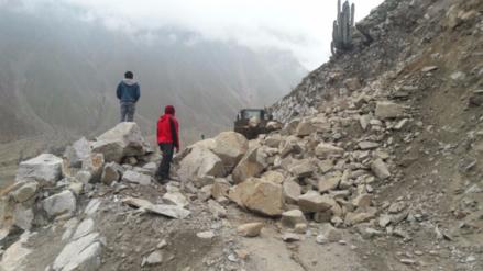 Ocho distritos aislados por huaicos en Huancavelica