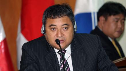 Exviceministro Jorge Cuba llegará este martes a Lima, según su abogado