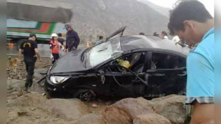 Despiste de auto deja un muerto en vía Cajamarca – Ciudad de Dios