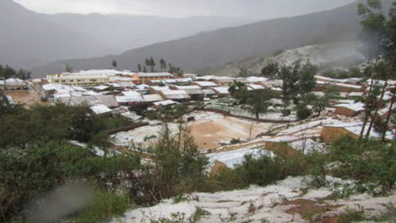 Caída de lluvias y granizo afecta carretas y sembríos en Ayacucho