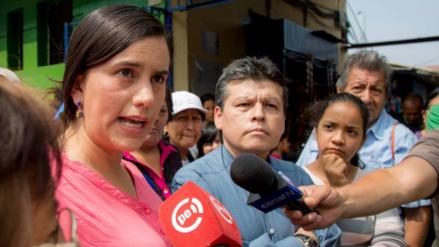 Verónika Mendoza pide a expresidentes Toledo y García que vuelvan al país