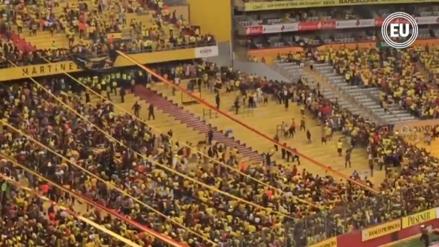 Pelea de hinchas en el fútbol ecuatoriano dejó 40 heridos