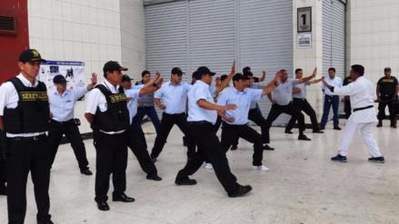 Vigilantes de galerías comerciales recibieron entrenamiento del Serenazgo