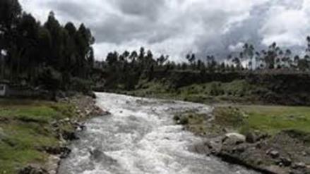 Alcaldes piden apoyo con maquinaria pesada para trabajos en ríos
