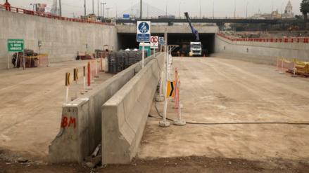 Denuncian fisuras y filtraciones de agua en túnel debajo del río Rímac