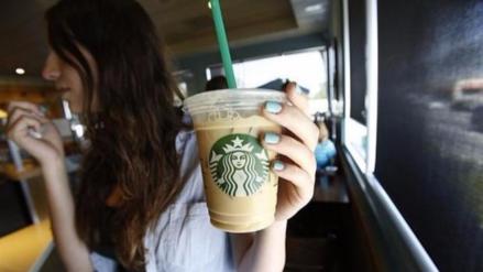 Starbucks prohíbe la entrada de mujeres a una de sus tiendas en Arabia Saudí