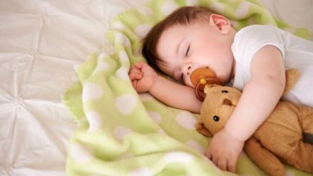 Cómo reconocer y corregir la plagiocefalia en tu bebé