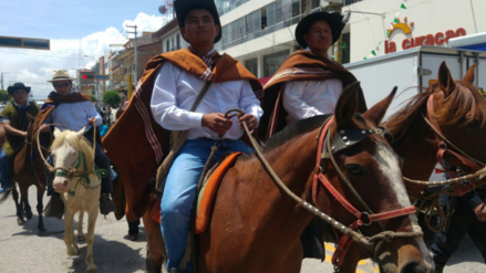 Alcaldes de Junín inician cabalgata de sacrificio a Lima