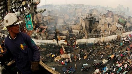 Un inmenso incendio dejó sin hogar a más de tres mil familias en Manila