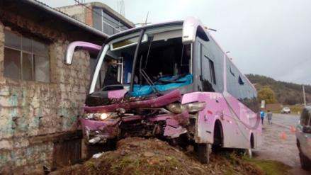 Catorce personas heridas tras despiste de ómnibus en Sicuani