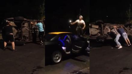 Volcaron vehículo de taxista que agredió a un joven por usar Uber