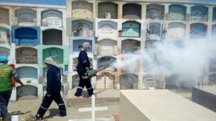 Fumigan cementerios de Barranca y Supe para evitar propagación del dengue