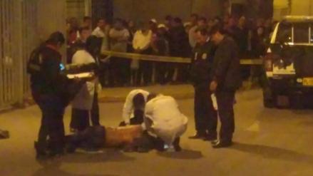 Asesinan a joven de una puñalada en el cercado de Arequipa