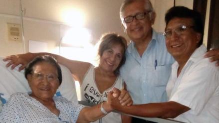 Luis Abanto Morales recibe la visita de su imitador de Yo Soy